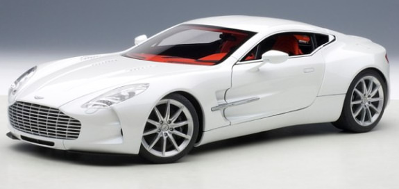 AUTOART 1/18 ASTON MARTIN ONE-77 - WHITE