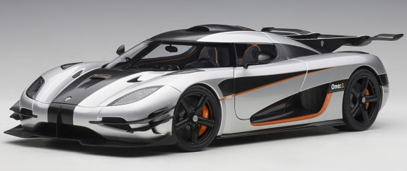 AUTOART 1/18 KOENIGSEGG ONE: 1 - GREY/CARBON BLACK
