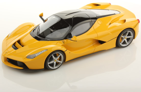 MR COLLECTION 1/18 FERRARI LAFERRARI - YELLOW / GLOSS BLACK ROOF