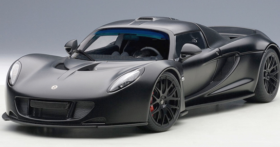 autoart 1 18 hennessey venom gt spyder mat carbon black 75401 can grand prix. Black Bedroom Furniture Sets. Home Design Ideas